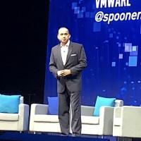 Lors de sa keynote, Sanjay Poonen, Chief Operating Officer de VMware, est revenu sur la solution Workspace One Intelligence. (Crédit S.L.)