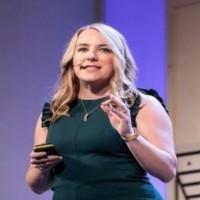 April Underwood, Chief product officer chez Slack, indique que dans les environnements de travail de demain, les canaux de distribution vont changer la manière de travailler. (Crédit : D.R.)