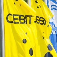 Les drapeaux du Cebit ne flotteront plus au vent sur le vaste parc d'expositions de Hanovre. (Crédit : Deutsche Messe)