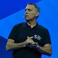 Alain Fiocco, responsable produit d'OVH, a présenté plus en détail les nouveautés produits par division et les différents partenariats noués pour les proposer lors de l'OVH Summit 2018. (Crédit : Nicolas Certes)