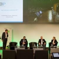 Sur les 11e Assises de l'embarqué, hier à Bercy, Eric Bantegnie, président d'Ansys France, présente la plateforme S3P pour la création de services et produits IoT. (Crédit : Embedded France)