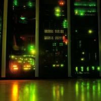 Les dépenses consacrées aux serveurs, stockage, réseau et système pour datacenters tireront aussi leur épingle du jeu en 2019. (crédit : Pixabay/Kewl)