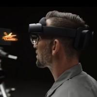 Microsoft promet un meilleur confort pour la v2 de son casque Hololens. (crédit : Microsoft)