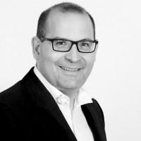 « Nous allons déployer une organisation plus matricielle qui reposera sur la mise en place de services portant chacun nos différentes offres pour les rendre notamment plus visibles », explique Mickaël Slama, le président de Nodya Group.