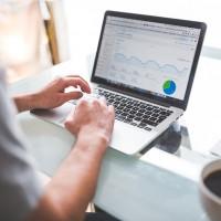 Selon IDC, les services IT devancent les achats de matériel et les services aux entreprises sur le marché du big data et de l'analytique. (Crédit : StockSnap, Pixabay)