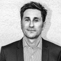 Avec sa nouvelle offre indirecte, Serveurcom, représenté par son directeur général adjoint Cyrille Richard, espère attirer les distributeurs que la revente en marque blanche n'intéresse pas. (Crédit : Serveurcom)