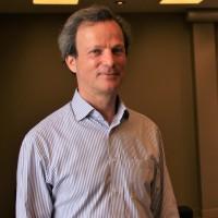 Daniel Fried, vice-président EMEA de Veeam, aux côtés de Patrick Rohrbasser, vice-président des ventes en France, lors de l'événement VeeamON organisé le 11 juin à la Maison de la Mutualité, à Paris. (Crédit : Bastien Lion)