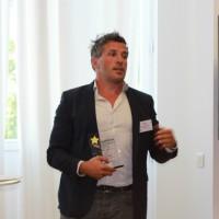 Patrick Fremond, le gérant de l'ESN Seriel, lors de la remise du Trophée du revendeur de l'année 2019 dans la catégorie