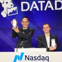 Les deux co-fondateurs de Datadog le jour de l'introduction en bourse du titre DDOG au Nasdaq, de gauche à droite, Alexis Lê-Quoc, CTO de la société, et Olivier Pomel, CEO. (Crédit : Datadog)