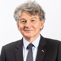 Avant de devenir PDG d'Atos en 2008, Thierry Breton avait occupé les fonctions de ministre de l'Economie, des Finances et de l'Industrie de 2005 à 2007 du gouvernement Raffarin III. (Crédit : Atos)