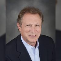 Avant de rejoindre Cohesity, Bill Lipsin occupait le poste d'associé principal pour le compte de The Spur Group, une société de conseil qui aide les entreprises à optimiser leur réseau.