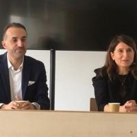 Karine Picard (à droite), directrice générale d'Oracle France, et Karim Zein, Vice President Country Leader Technology de la filiale française, lors d'un point presse à l'occasion de l'événement Oracle Cloud Day à Paris, le 19 novembre 2019. (Crédit : LMI/MG)