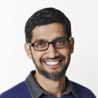 Sundar Pichai (ci-dessus), CEO de Google et désormais d'Alphabet aussi, et Ruth Porat, directrice financière d'Alphabet, auraient convaincu Larry Page de ne pas sortir du marché cloud. (Crédit : Google)
