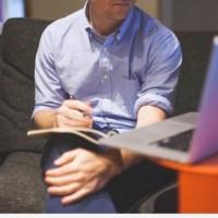 Dans le numérique, le recours au télétravail a permis à 90% de PME de continuer leurs missions avec leurs clients grands comptes en période de grève. Crédit. Visual Hunt.