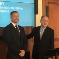 Paul Hermelin (à droite), PDG de Capgemini, et Dominique Cerutti (à gauche), PDG du groupe Altran, le 25 juin lors de l'annonce de la proposition de rachat d'Altran au siège social de Capgemini. (Crédit : LMI/MG)