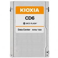 Avec des capacités maximales de 12 et 30 To, les SSD CM6 et CD6 se destinent aux serveurs et baies de stockage haut de gamme. (Crédit : Kioxia)