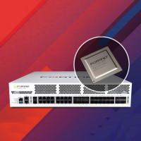 Le FortiGate 1800F prend en charge de la dernière norme TLS 1.3 de l'industrie, pour éliminer les angles morts dans le réseau en permettant une visibilité totale des flux réseau en texte clair et chiffrés. (Crédit : Fortinet)