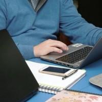 Le télétravail prolongé constitue pour les pirates informatiques une source aussi inattendue qu'inespérée pour sélectionner des points d'entrée vulnérables aux données d'entreprises les plus stratégiques et à valeur ajoutée pour eux. (crédit : Alterfines / Pixabay)