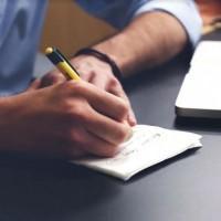 La CCI Paris-Ile-de-France propose des webinars axés sur le numérique pour des entrepreneurs en difficulté. Crédit: StartupStockPhotos/Pixabay.