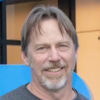 Après AMD, Apple, Tesla et enfin Intel, Jim Keller poursuivra surement sa carrière dans la conception de processeurs chez un autre acteur du marché. (Crédit : Intel)