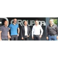 De gauche à droite : Dan Djorno, cofondateur et gérant du groupe DFM ; Jonathan Del Pin, cofondateur de RVJ ; Franck Makaci, cofondateur du groupe DFM, Rudy Poard, cofondateur de RVJ ; et Mikaël Guenni, cofondateur du groupe DFM. (Crédit : D.R.)