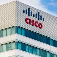 Sur l'ensemble de son exercice 2020, le chiffre d'affaires de Cisco s'est replié de 5% à 49,3 Md$. Crédit photo : D.R.