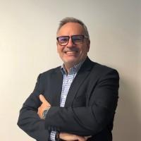 Nommé directeur des ventes indirectes chez Sharp France, Pascal Grenard est passé par Ricoh et Oki.