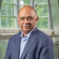 « Les besoins d'achat clients pour les applications et les services d'infrastructure sont en train de diverger », explique Arvind Krishna, CEO d'IBM (Crédit : IBM)