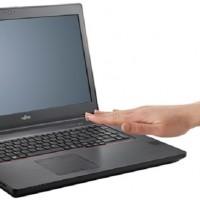 L'option PalmSecure de Fujitsu vient renforcer la sécurité de cette station de travail Celsius H7510. (Crédit Fujitsu)