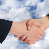 OVHCloud et Orange Business Services annoncent un partenariat où chacun apporte son epxertise dans le cloud. (Crédit Photo : Geralt/Pixabay)