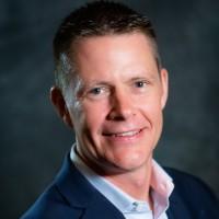 Chris Lamborn, responsable des programmes et des relations avec les partenaires internationaux chez NetApp : « Le programme mis à jour comprend l'ajout de partenaires spécialisés qui vendent, consomment ou « influencent » le portefeuille de NetApp ». Crédit photo : NetApp