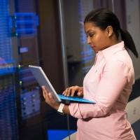 Interrogés sur les risques liés au cloud, les professionnels de la cybersécurité redoutent notamment les erreurs de configuration, selon le 2021 Cloud Security Report de Fortinet. (Crédit Christina Morillo/Pexels)