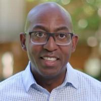 Rodney Clark, VP corporate, Global Channel Sales de Microsoft : « Les clients sont dans un tel état de transformation que nous devons travailler avec le réseau de distribution et le préparer à saisir l'opportunité qui s'offre à lui, très différente de ce qu'elle était il y a cinq ans. ». Crédit photo : Microsoft