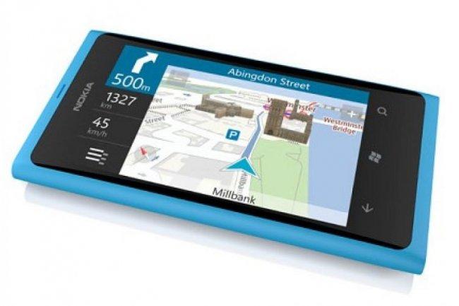Pour relancer Windows Phone, Microsoft compte beaucoup sur les smartphones de Nokia, ci-dessus le Lumia 900