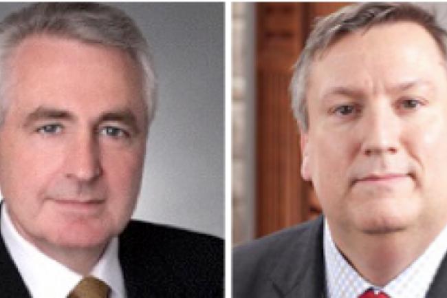 John Schackleton (à gauche) cède son poste de CEO d'Open Text à Mark Barrenechea (à droite) - crédit D.R.