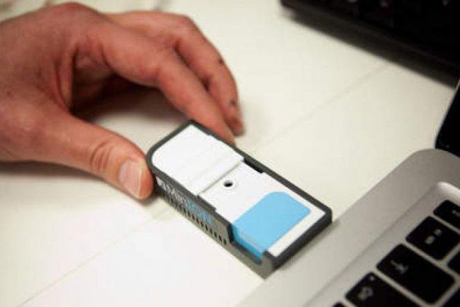 La clef USB XXL Minion a été conçue pour l'analyse portable de molécules uniques