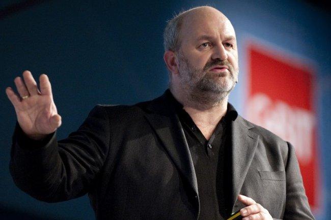 Werner Vogels, le CTO d'Amazon a déclaré que « historiquement la business intelligence était un « domaine secret des grandes entreprises »