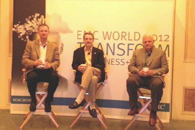De droite à gauche : Joe Tucci, CIO d'EMC, Pat Gelsinger, COO, et David Goulden, CFO