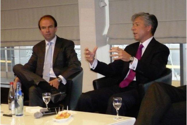 Bill McDermott (à droite), co-PDG de SAP, et Henri van der Vaeren, DG de SAP France, au Cnit de La Défense, dans le cadre de SAP Forum. (crédit : M.G.)