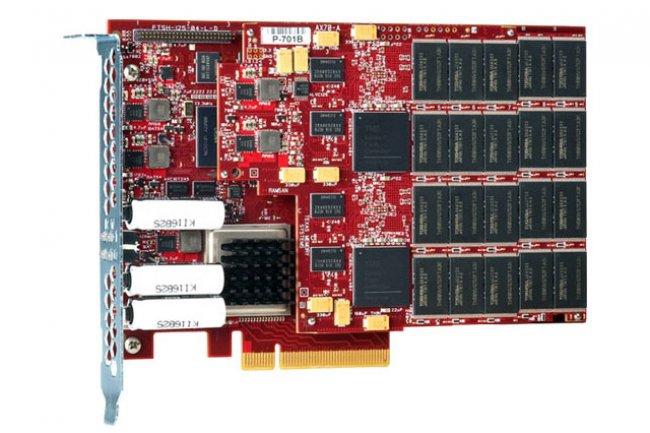 Une carte PCIe RamSan-70 de TMS avec ses composants flash, crédit D.R.
