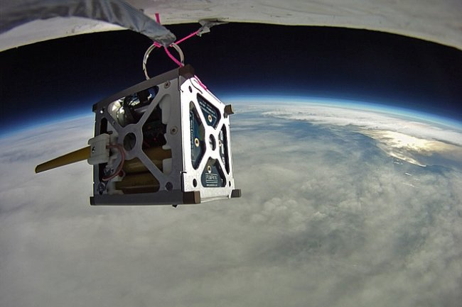 Test des PhoneSat avec un ballon Crédit Photo: NASA