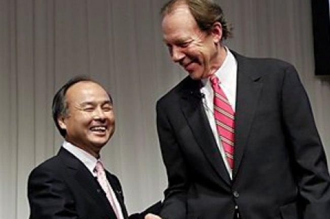Masayoshi Son, pr�sident de Softbank, et Dan Hesse, CEO de Sprint Nextel