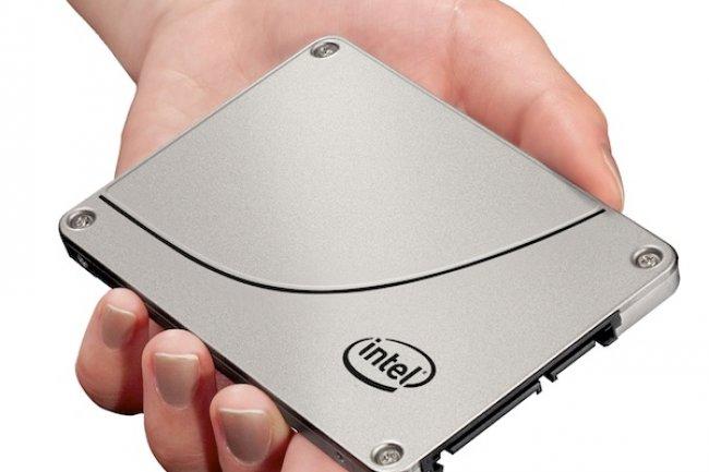 Exploitant l'interface SATA 3 et une mémoire flash NAND MLC, le DC S3700 d'Intel est destiné aux datacenters