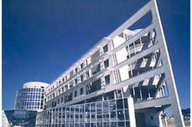 Au sein du CHRU de Montpellier, l'h�pital Arnaud de Villeneuve (source : www.chu-montpellier.fr)