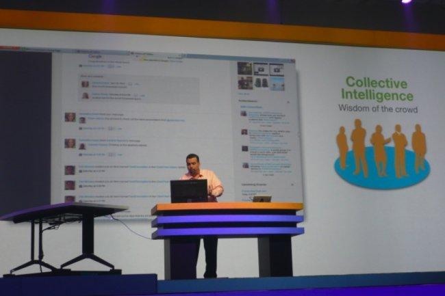 Démonstration de la version 4.5 de Connections, le logiciel de collaboration d'IBM, sur Connect 2013. A gauche, la table de vidéoconférence de foresee. (MG)
