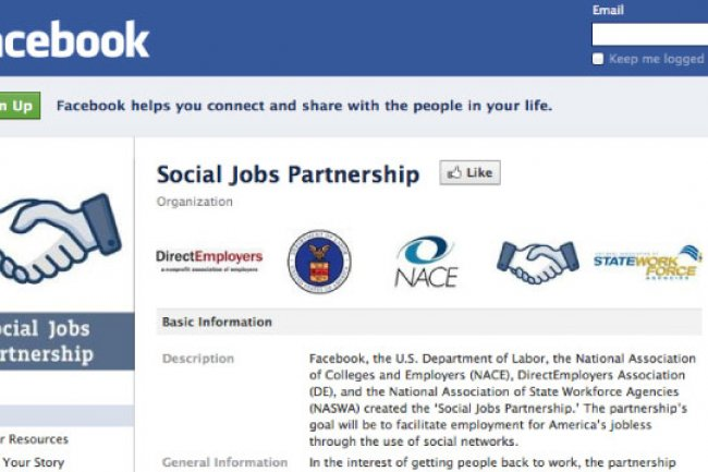 Aux Etats-Unis Facebook a noué des partenaritats avec le Minsitère du Travail et des associations d'employeurs.