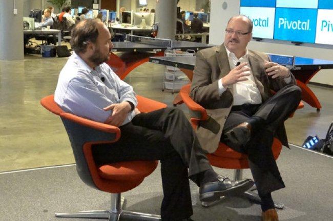 Paul Maritz, CEO de Pivotal à gauche, Bill Ruh, vice président de General Electric, chez Pivotal à San Francisco. Crédit IDG NS