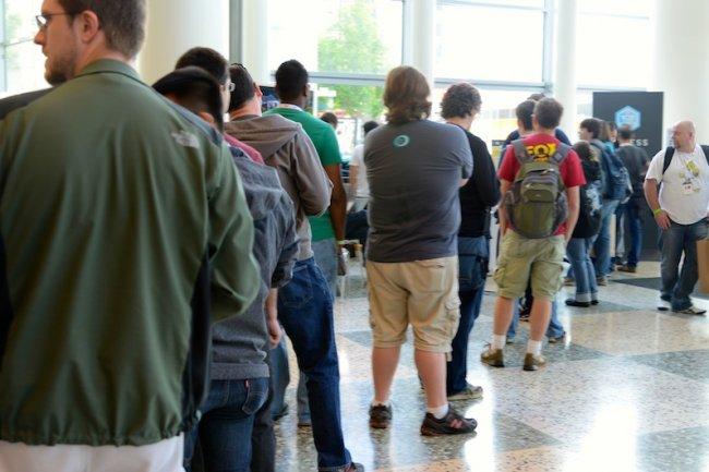 Des développeurs attendent l'ouverture de la manifestation Google I/O au Moscone Center à SF. Crédit photo IDGNS