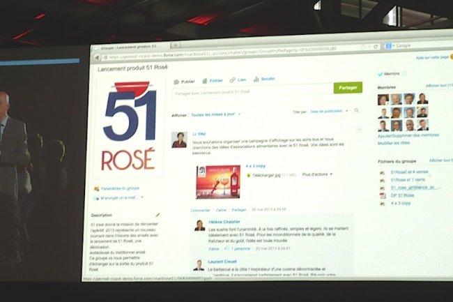 Jean-Louis Baffier, vice-président ventes Europe de Salesforce.com, explique comment Pernod Ricard a mis Chatter à profit pour le projet 51 Rosé, ce matin à Paris. (crédit : LMI)