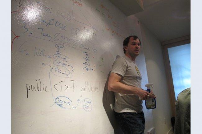 Andrew Lee, fondateur de Firebase, explique la stratégie de sa start-up. (Source: Netzmedien)